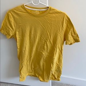 New Banana Republic yellow T-shirt crewneck
